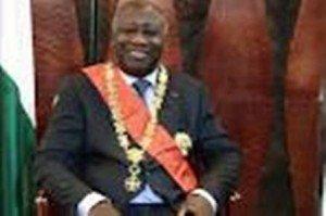 Révolution Permanente: Nous allons installer GBAGBO au pouvoir! dans La Révolution Permanente gbagbo-opa22-300x199